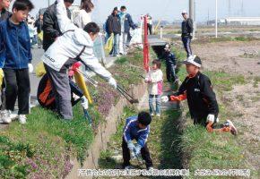 No.33「子供会との協同で実施する水路の清掃作業」大坊みどり会(平川市)